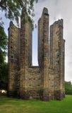 Fördärvar av gotisk kyrka Arkivfoton
