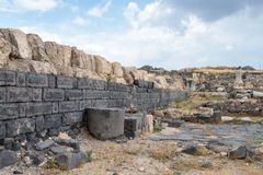 Fördärvar av greken - romersk stad av det 3rd århundradet F. KR. - den 8th århundradeANNONSEN Hippus - Susita på Golan Heights nä Arkivbild