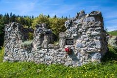Fördärvar av hus på översittaren, Slovakien fotografering för bildbyråer