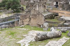 Fördärvar av huset av vestalsna i Roman Forum italy rome arkivbild