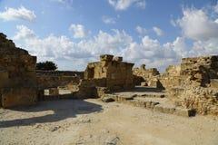 Fördärvar av kolonner för en slott fyrtio i Paphos Royaltyfri Fotografi