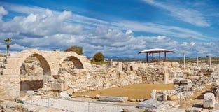 Fördärvar av Kourion, den arkeologiska platsen som lokaliseras nära Limassol Arkivfoto