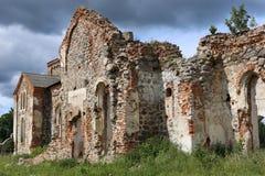 Fördärvar av kyrka Arkivbild