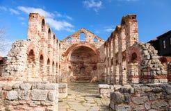 Fördärvar av kyrka för St. Sophia i Nesebar Arkivfoto
