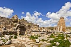 Fördärvar av Perge en forntida Anatolian stad i Turkiet Royaltyfri Fotografi