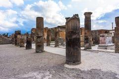 Fördärvar av Pompeii nära Naples, Italien Pompeii är en forntida romersk stad arkivbild