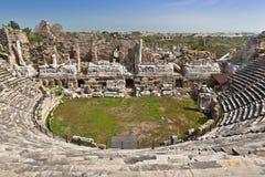 Fördärvar av romersk teater i sidan, Turkiet Arkivbilder