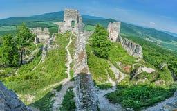Fördärvar av slotten Gymes i Slovakien Royaltyfri Fotografi