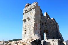 Fördärvar av slottet av Campiglia Marittima, Italien Arkivbild