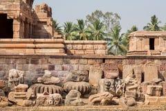 Fördärvar av stenen sned templet av Pattadakal, Karnataka Strukturer för UNESCOvärldsarv av 7th och 8th-århundrade, Indien Arkivfoto