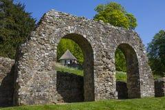 Fördärvar av stridabbotskloster i Sussex royaltyfri foto