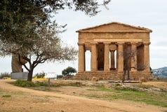 Fördärvar av templet av Concordia, Agrigento Fotografering för Bildbyråer