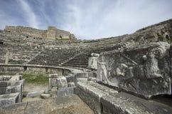 Fördärvar av theaterRuins Miletus för den forntida staden av teatern Miletus för den forntida staden arkivbilder