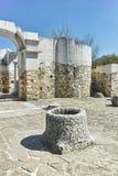 Fördärvar av tidigt den 10th århundraderundakyrkan av St John nära huvudstaden av den första bulgariska välden stora Preslav Arkivfoto