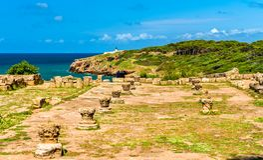 Fördärvar av Tipasa, en romersk colonia i Algeriet, Nordafrika royaltyfria foton