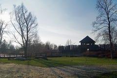 Fördärvar den forntida staden för det Polen vinterlandskapet arkivbild