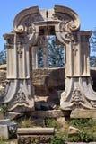 fördärvar den gammala slotten för den forntida beijing porten sommar Arkivfoton