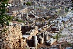 Fördärvar i Corinth, Grekland - arkeologibakgrund Arkivfoto