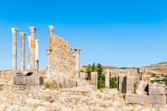 Fördärvar i den forntida gamla roman staden Volubilis, Unesco, Meknes, Moroc royaltyfri foto