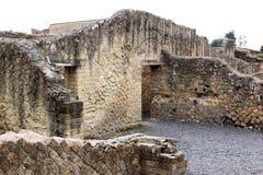 Fördärvar i den forntida Roman Herculaneum, Italien arkivfoto