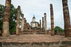 Fördärvar i det historiskt parkerar i sukhothai Royaltyfri Fotografi