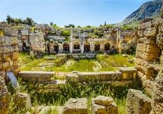 Fördärvar i forntida Corinth, Peloponnese Royaltyfri Fotografi