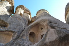 Fördärvar och hus i Cappadocia Royaltyfria Foton