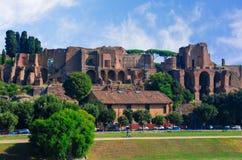 Fördärvar på Circulus Maximus i Rome, Italien Arkivfoton