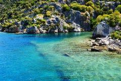 Fördärvar på på kusterna av den Kekova ön Fotografering för Bildbyråer