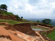 Fördärvar på Sigiriya vaggar fotografering för bildbyråer