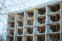 fördärvat tegelstenhus Arkivfoto