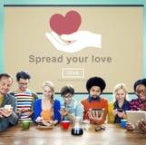 Fördela din förälskelse, portion somhänder donerar begrepp Arkivbild