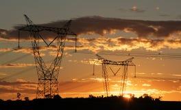 fördelningseletricityenergi som ger tornet Royaltyfri Fotografi