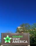 Fördjupat stagAmerika motell royaltyfri bild