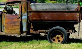 Fördjupningseralastbil Arkivfoto