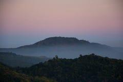 fördunkla berg Royaltyfri Foto