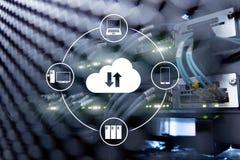 Fördunkla serveren och beräkning, datalagring och att bearbeta Internet- och teknologibegrepp stock illustrationer