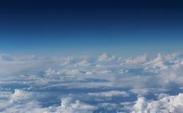 Fördunklar blå himmel Royaltyfria Foton