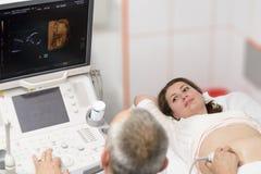 Före födseln undersökning Arkivbild