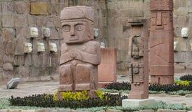 Förebildstaty från Tiwanaku i La Paz, Bolivia Royaltyfri Fotografi