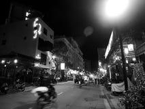 Förehavanden för uteliv för gataliv, autentisk nattplatsmiljö i TON, VIETNAM Arkivfoton