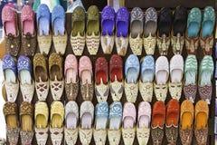 förenad arabisk färgrik souk för dubai emiratesskor Arkivfoto