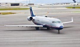 förenad flygbolagbombardier crj700 Arkivfoto