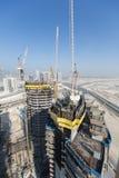 Förenade Arabemiraten Dubai, 05/21/2015, Damac står högt Dubai vid Paramount, konstruktion och byggnad Royaltyfria Bilder