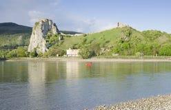 Föreningspunkt av Donau och Morava floder Arkivbilder