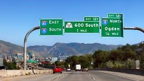 Förenta staterna för bilhuvudvägtrafik Arkivbild