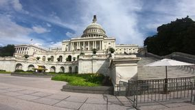 Förenta staternahuvudbyggnad, kongress som går pannan - bred vinkel arkivfilmer