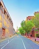 Förenta staternamintkaramellbyggnad och St Augustine Church i Philadelphia fotografering för bildbyråer