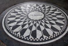 Föreställ mosaiken, en hedersgåva till någon gång den New York invånaren John Len Fotografering för Bildbyråer