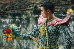 Föreställningskonst för Khon traditionskultur maskeringen av Ramakien eller rommar royaltyfria bilder